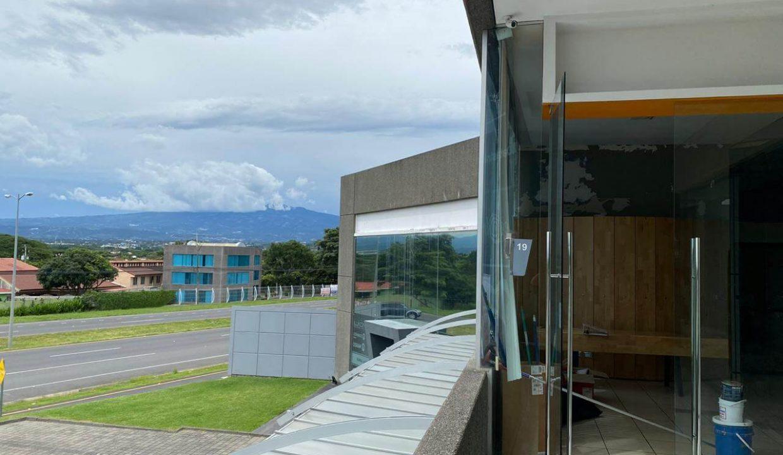 Venta-local-u- oficinas-Santa- Ana-premier-propiedades (3)