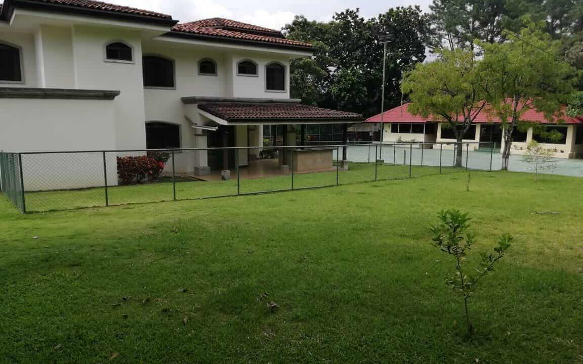 alquiler-casa-rio-oro-santa-ana-premier-propiedades (15)