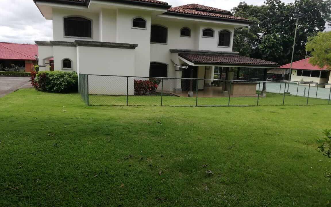 alquiler-casa-rio-oro-santa-ana-premier-propiedades (19)