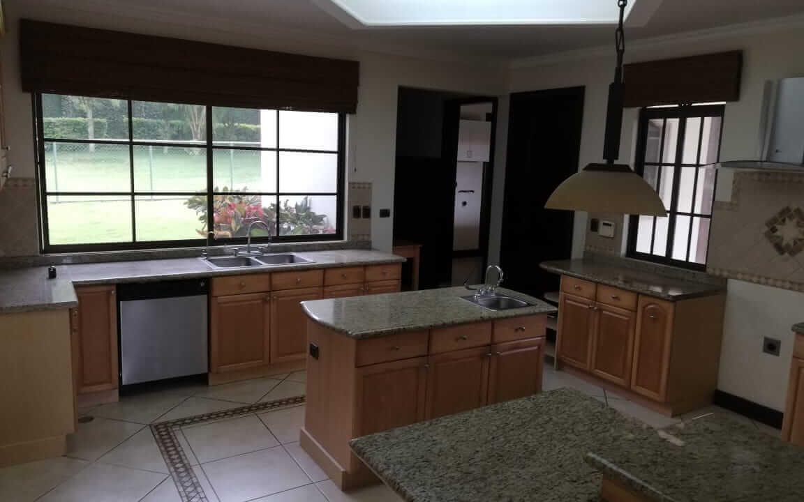 alquiler-casa-rio-oro-santa-ana-premier-propiedades (28)