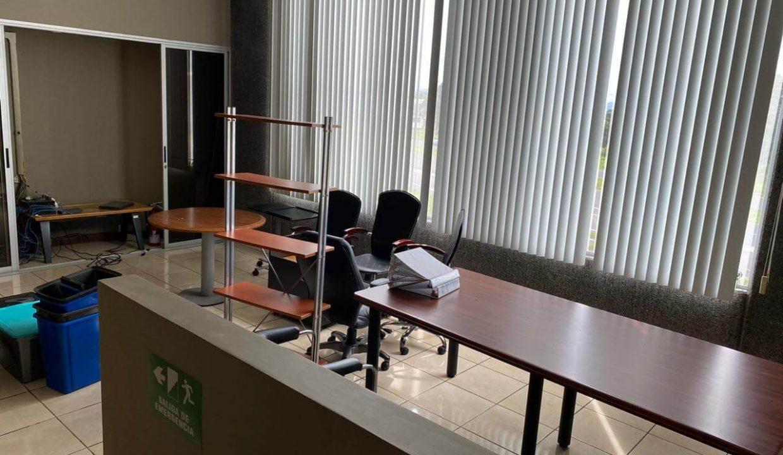se-alquila--local-u- oficinas-Santa- Ana-premier-propiedades (2)