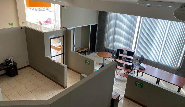 se-alquila--local-u- oficinas-Santa- Ana-premier-propiedades (7)