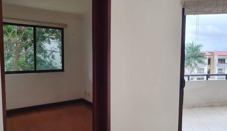alquiler-apartamento-condominio-avalon-santa-ana (13)