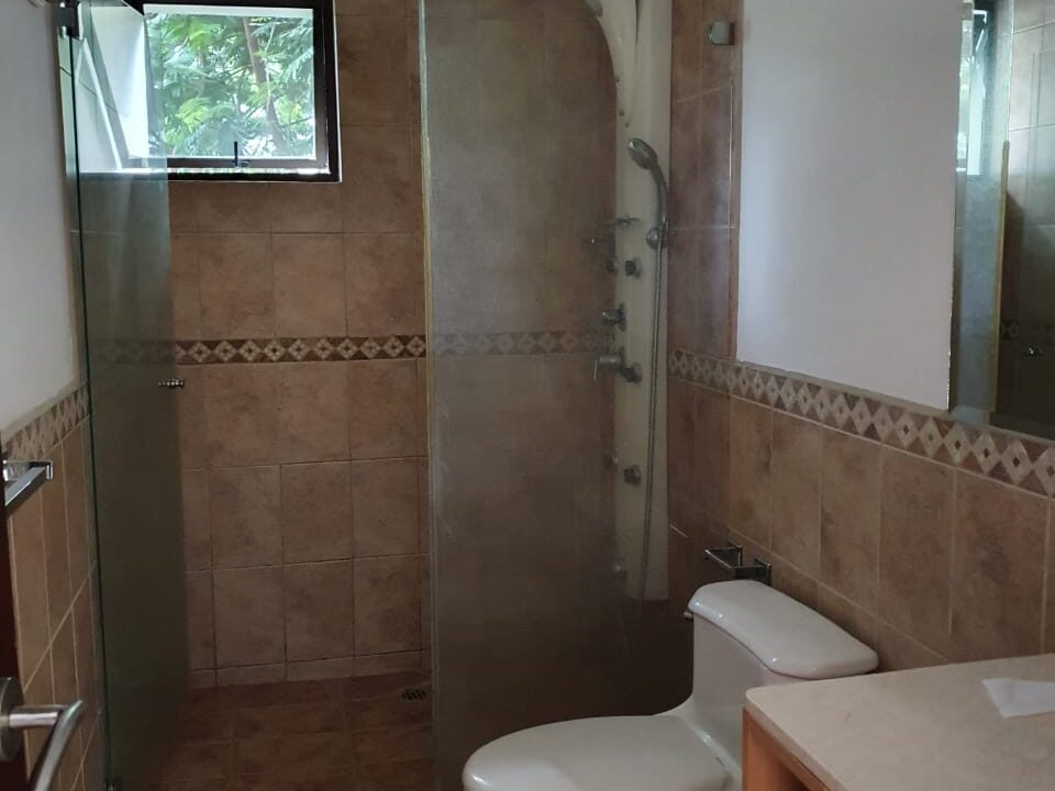alquiler-apartamento-condominio-avalon-santa-ana (8)