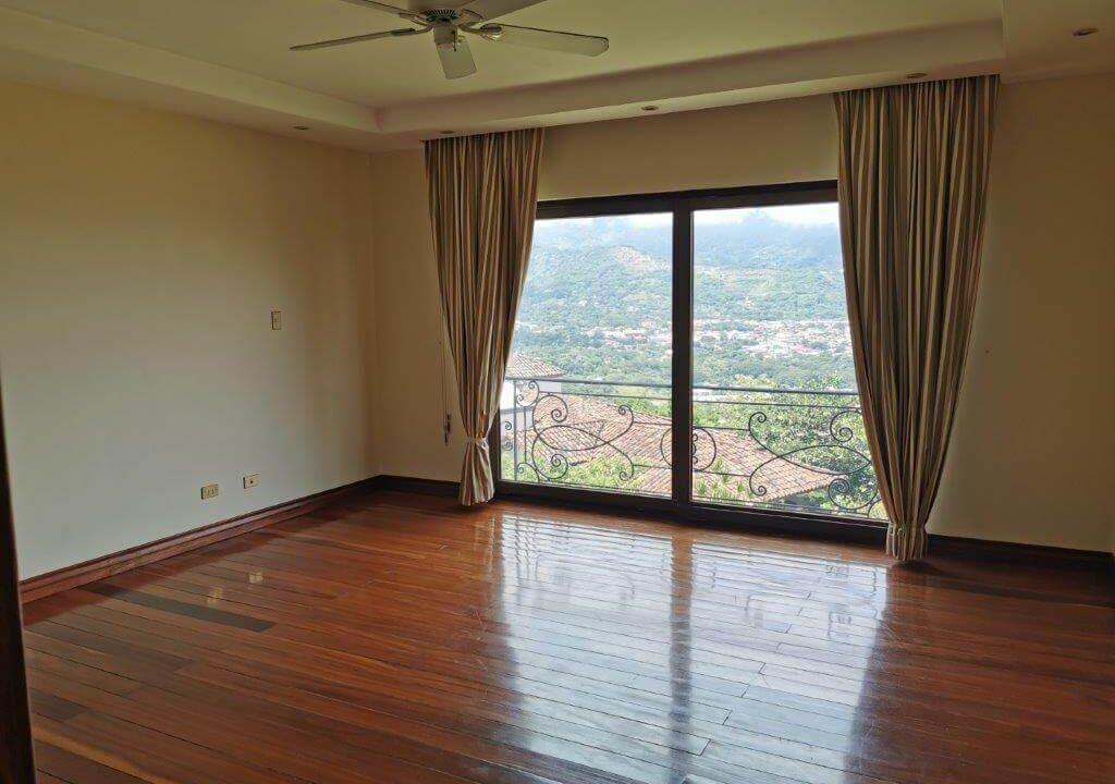 alquiler-apartamento-condominio-residencial-villa-real-santa-ana-premier-propiedades (1)