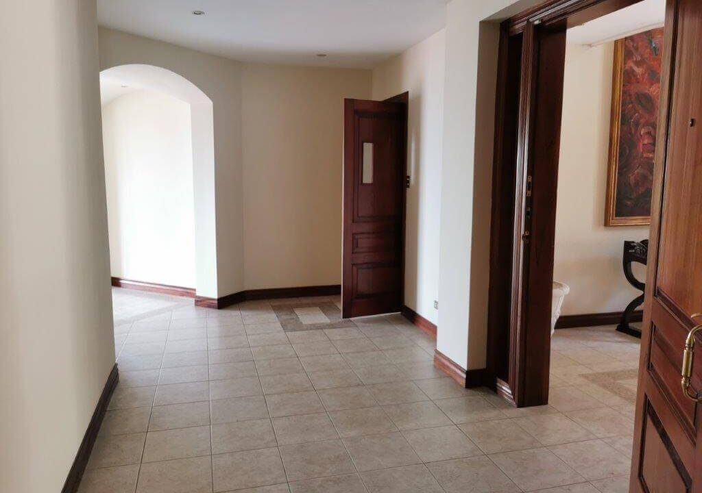 alquiler-apartamento-condominio-residencial-villa-real-santa-ana-premier-propiedades (2)