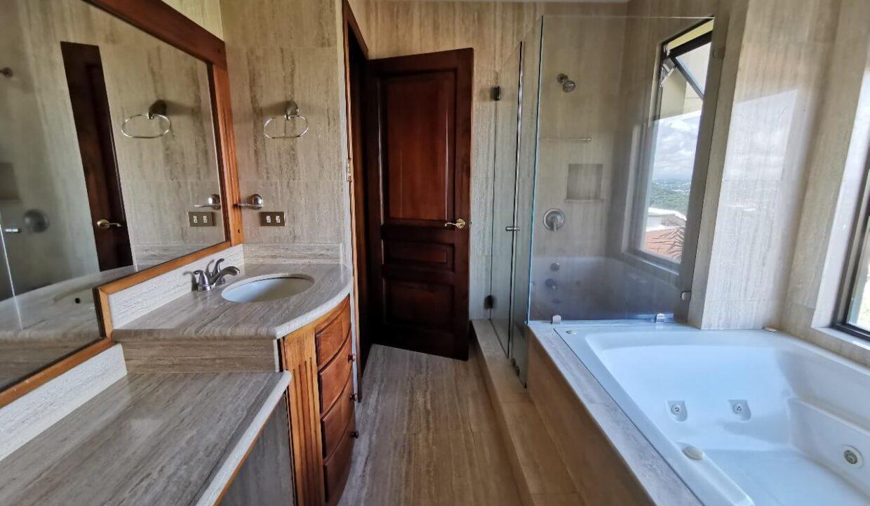 alquiler-apartamento-condominio-residencial-villa-real-santa-ana-premier-propiedades (9)
