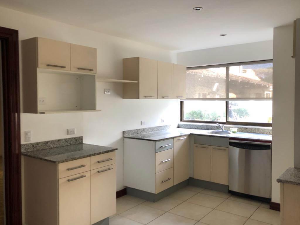 Alquiler de Apartamento en Condominio Trejos Montealegre, Escazú