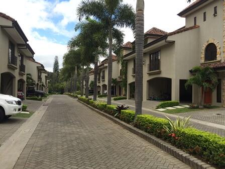 alquiler-casa-condominio-laureles-escazu-premier-propiedades (1)