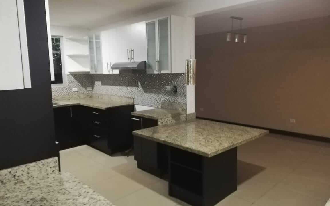 alquiler-casa-en-condominio-pozos-santa-ana-premier-propiedades (14)