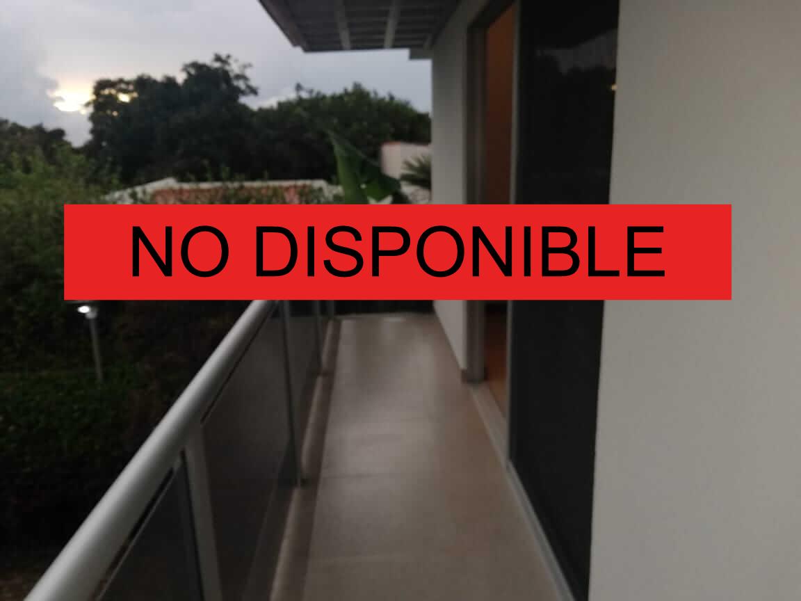 Se Alquila Casa Contemporánea en Condominio, Santa Ana Rio Oro