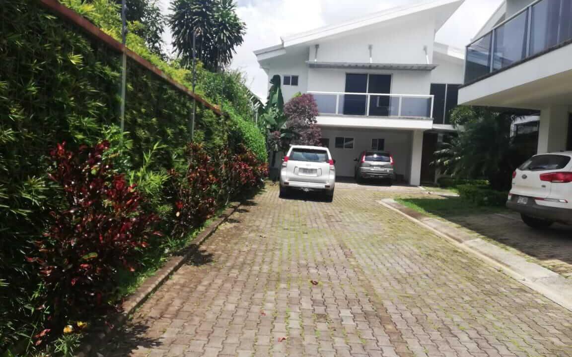 alquiler-casa-pozos-santa-ana-premier-propiedades (15)