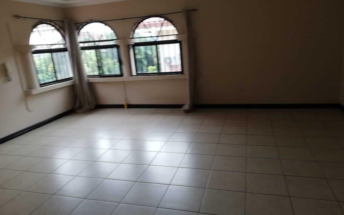 alquiler-de-casa-en-residencial-parque-valle-del-sol-lindora-santa-ana-premier-propiedades (2)