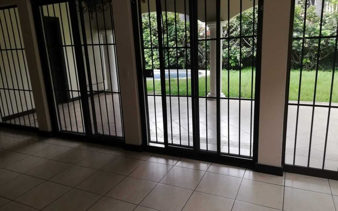 alquiler-de-casa-en-residencial-parque-valle-del-sol-santa-ana-premier-propiedades (3)