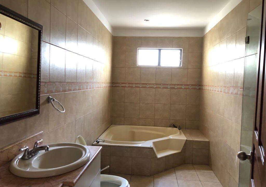 venta-apartamento-condominio-trejos-montealegre-premier-propiedades (18)