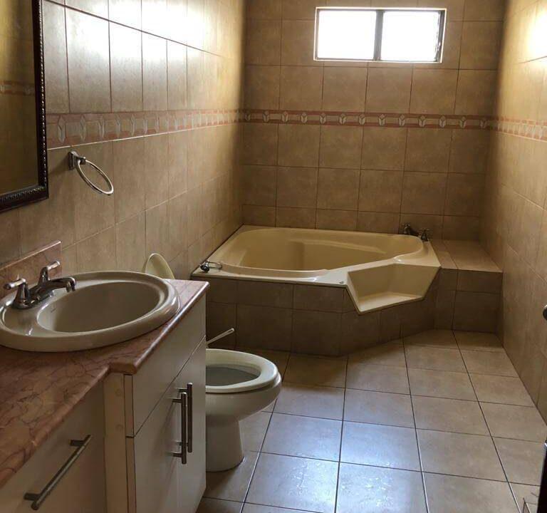 venta-apartamento-condominio-trejos-montealegre-premier-propiedades (24)