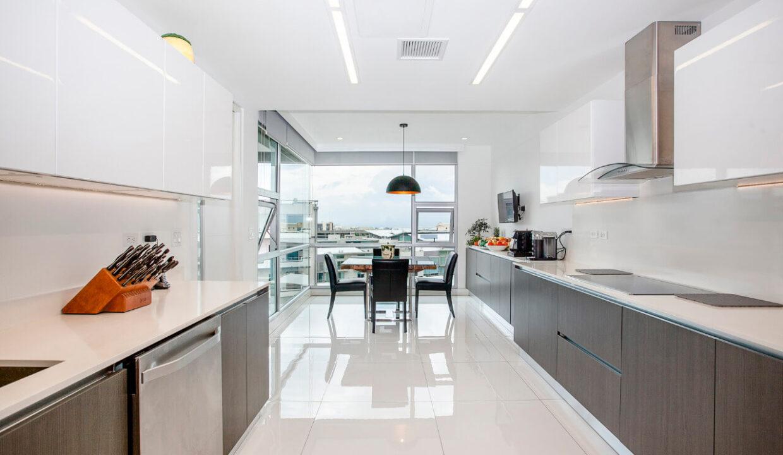 venta-apartamento-residencial-central-park-en-trejos-montealegre-premier-propiedades (9)