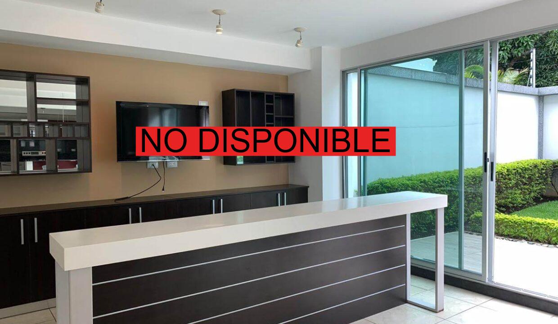 Venta de Casa Contemporánea en Condominio Rio Oro, Santa Ana