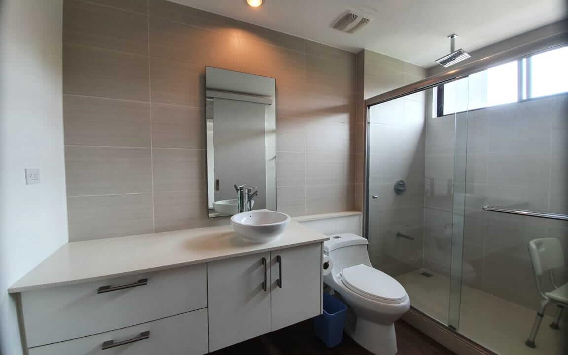 alquiler-apartamento-en condominio-bakia-flasts-brasil-de-santa-ana-premier-propiedades (20)