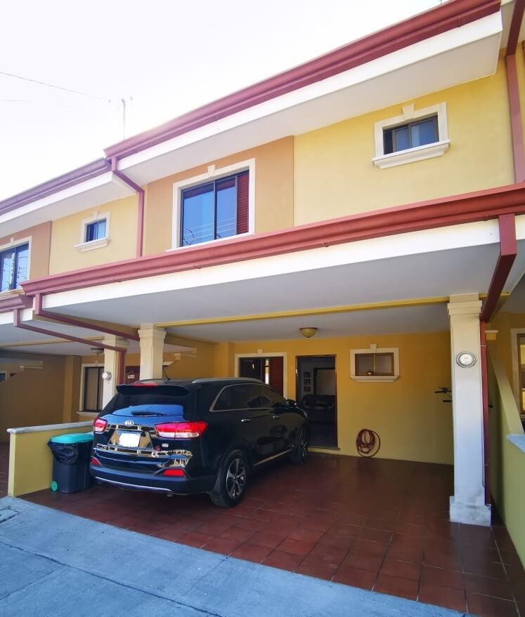 Venta de Casa en Condominio, San Antonio de Desamparados.