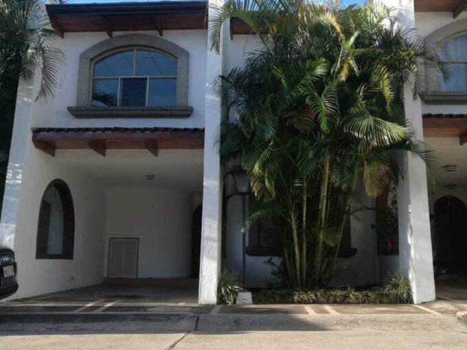 Alquiler de Apartamento en Condominio Casa Bella, en Curridabat