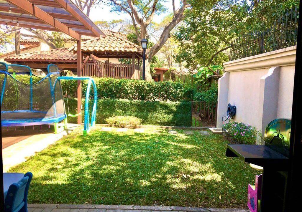 alquiler-casa-condominio-privado-lindora-santa-ana-premier-propiedades (4)