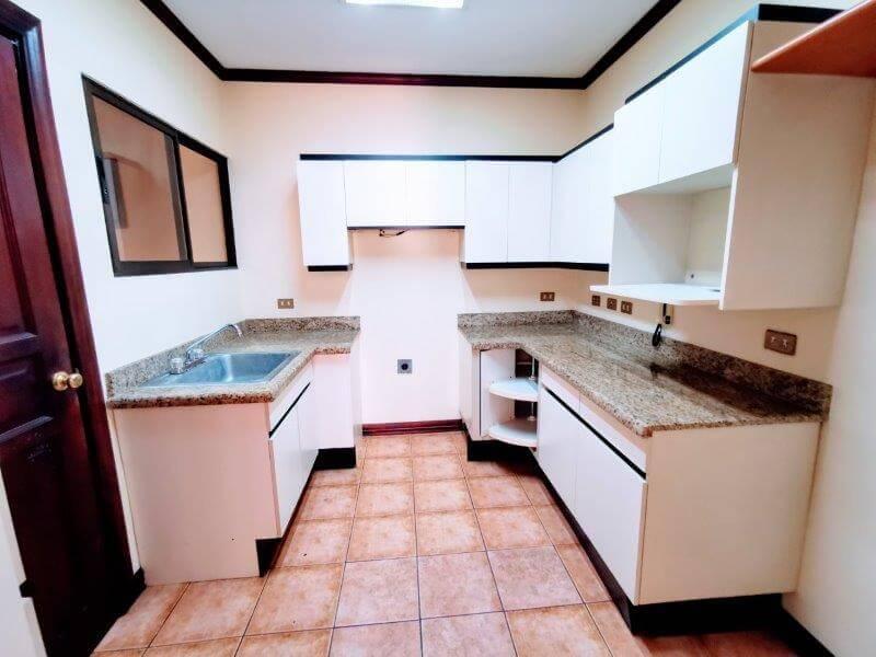 venta-apartamento-condominio-trejos-montealegre-san-rafael-escazu (16)