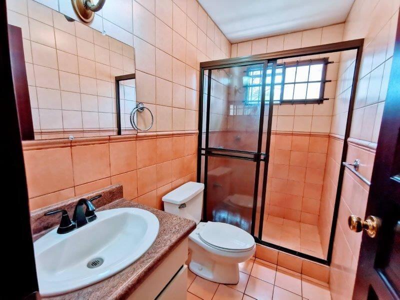 venta-apartamento-condominio-trejos-montealegre-san-rafael-escazu (21)