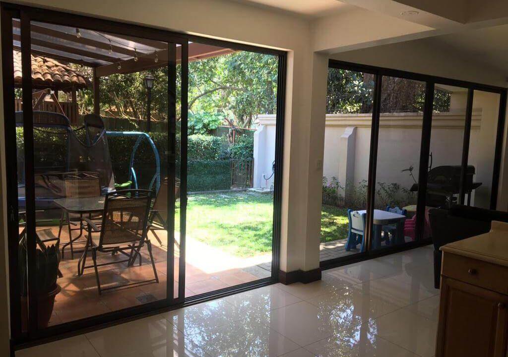 venta-casa-condominio-privado-lindora-santa-ana-premier-propiedades (2)