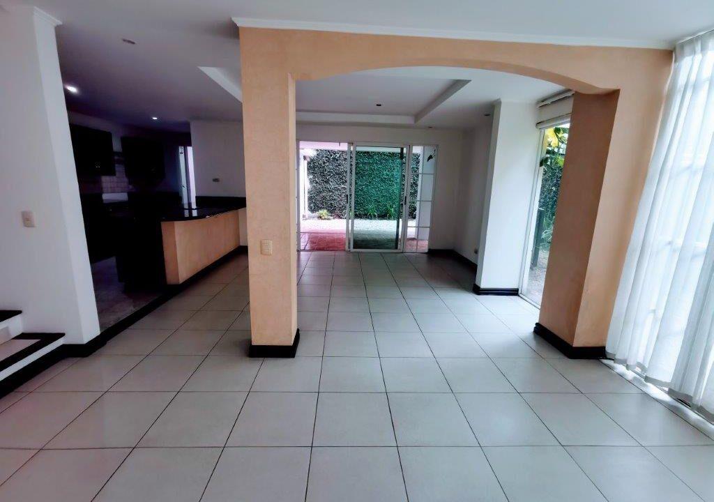 alquiler-apartamento-condominio-san-rafael-escazu-premier-propiedades (12)
