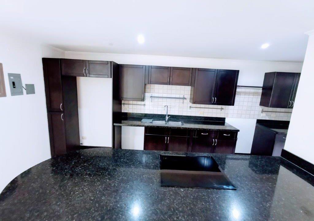 alquiler-apartamento-condominio-san-rafael-escazu-premier-propiedades (20)