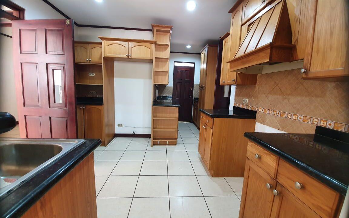 alquiler-casa-condominio-escazu-premier-propiedades (22)