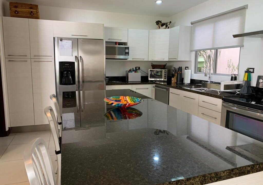venta-apartamento-townhouse-condominio-rio-oro-santa-ana-premier-propiedades (5)