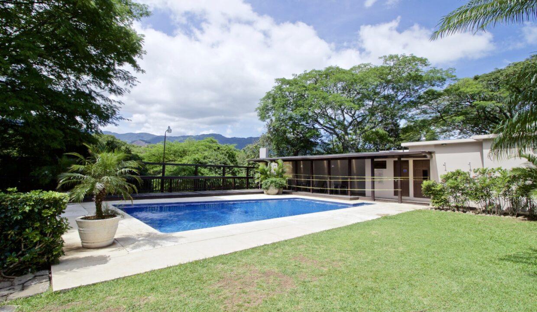 alquiler-casa-lindora-santa-ana-premier-propiedades (23)