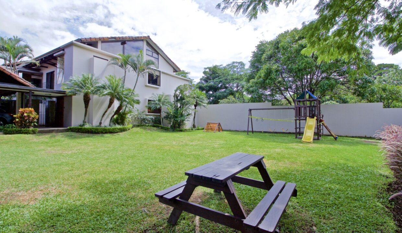 alquiler-casa-lindora-santa-ana-premier-propiedades (24)