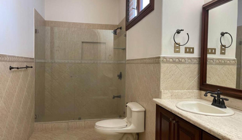 casa-condominio-guachipelin-zona-norte-premier-propiedades (1)