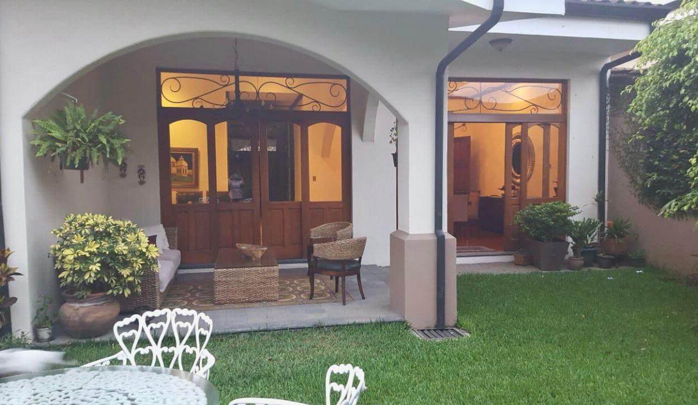 casa-condominio-guachipelin-zona-norte-premier-propiedades (13)