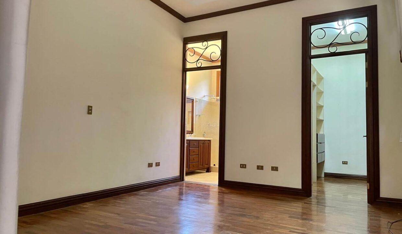 casa-condominio-guachipelin-zona-norte-premier-propiedades (18)