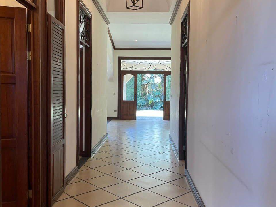 casa-condominio-guachipelin-zona-norte-premier-propiedades (3)