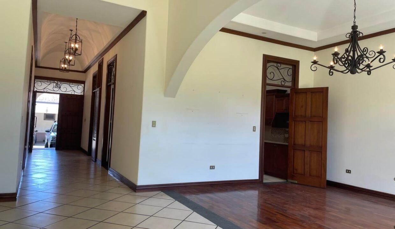 casa-condominio-guachipelin-zona-norte-premier-propiedades (5)