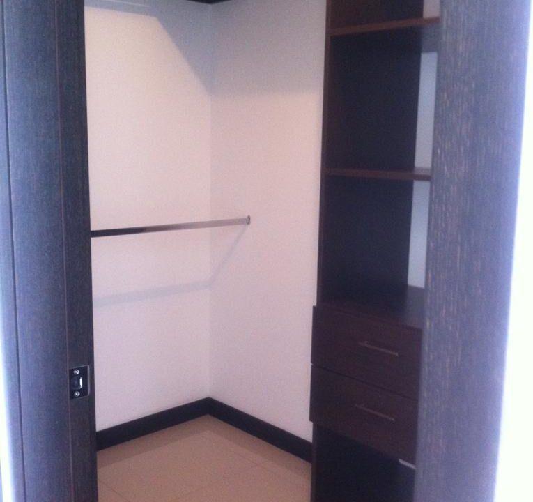 alquiler-apartamento-en-condominio-santa-ana-centro-premier-propiedades (6)
