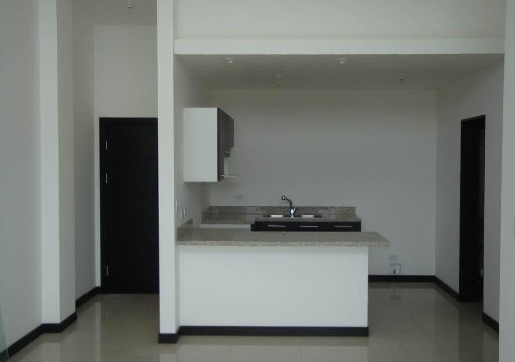 alquiler-apartamento-en-condominio-santa-ana-centro-premier-propiedades (8)