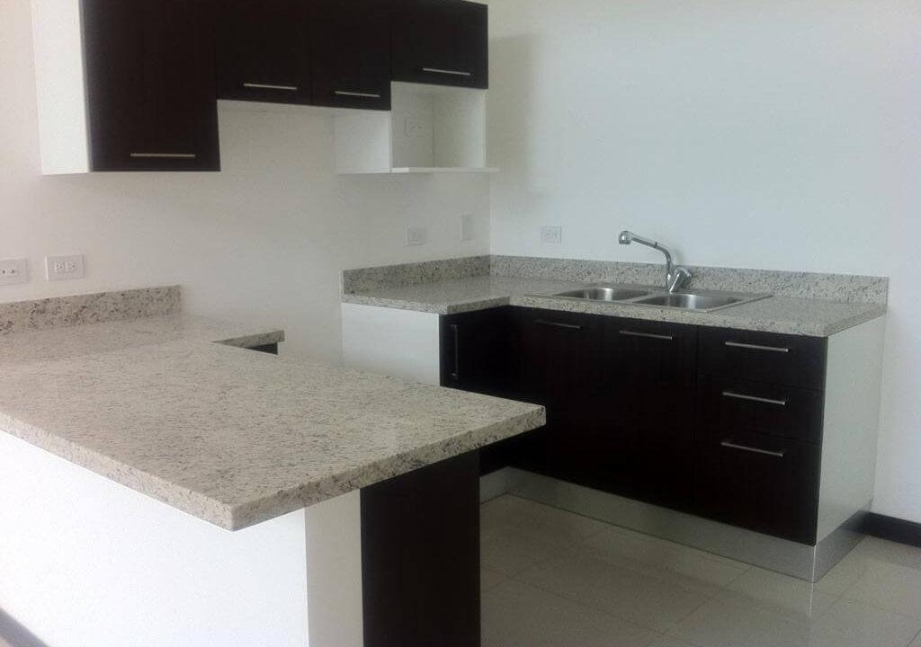 alquiler-apartamento-en-condominio-santa-ana-centro-premier-propiedades (9)