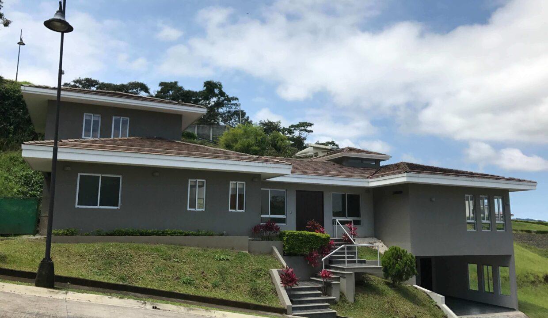 venta-de-casa-condominio-cerro-colon-premier-propiedades (10)