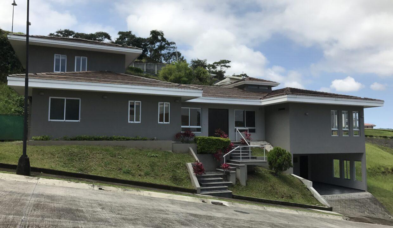 venta-de-casa-condominio-cerro-colon-premier-propiedades (12)