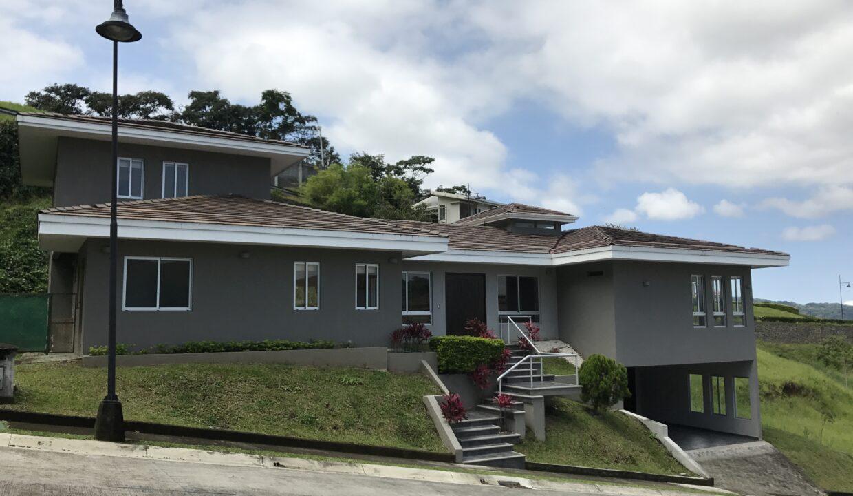 venta-de-casa-condominio-cerro-colon-premier-propiedades (13)