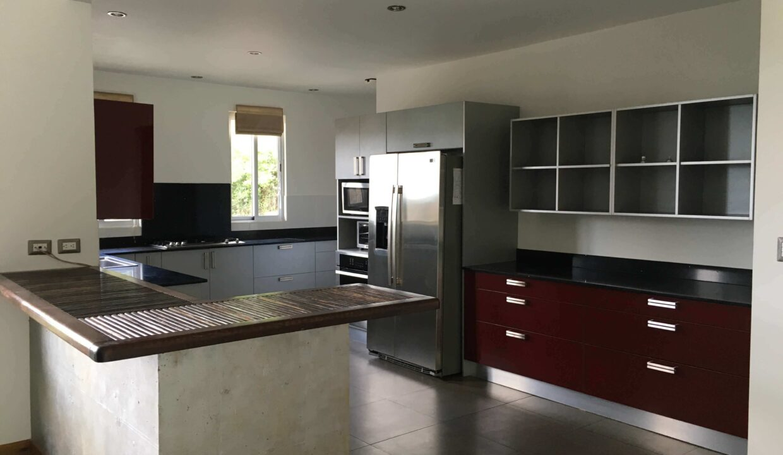 venta-de-casa-condominio-cerro-colon-premier-propiedades (4)