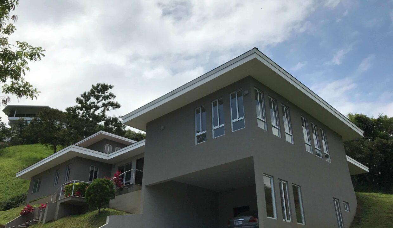 venta-de-casa-condominio-cerro-colon-premier-propiedades (9)