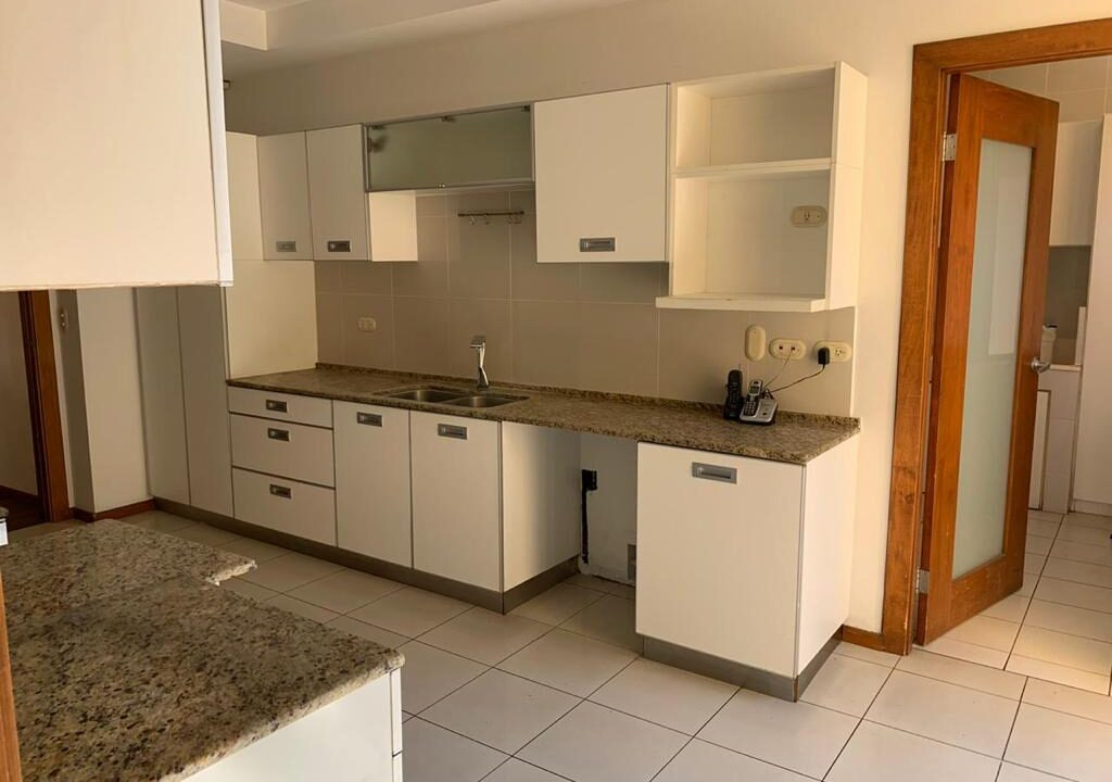 venta-apartamento-cerca-country-club-escazu-premier-propiedades (27)