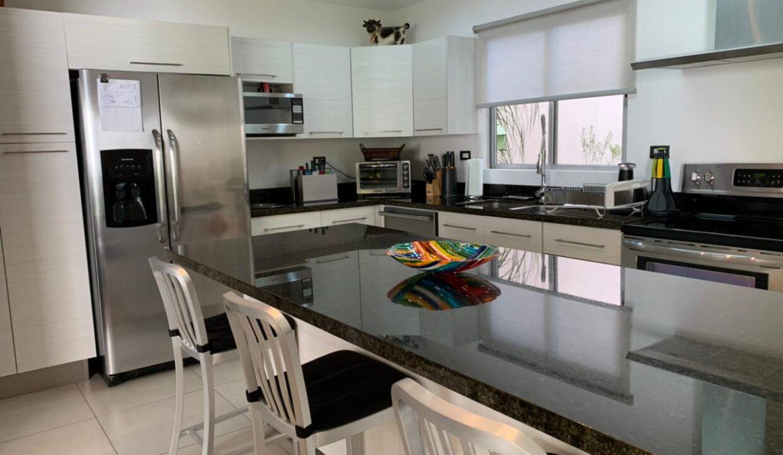 venta-apartamento-townhouse-condominio-rio-oro-santa-ana-premier-propiedades (16)
